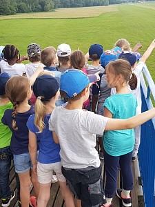 """Kindergarten """"Spatzennest"""" aus Arnoldshain besucht Luftsportclub"""